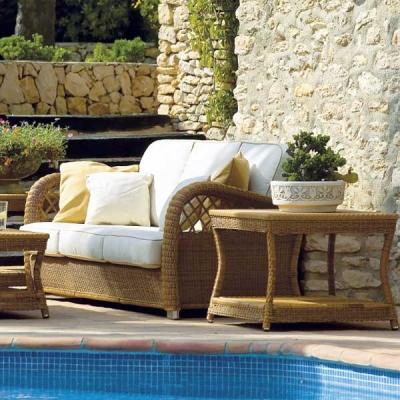 Колекция Casablanca - мебели и аксесоари от изкуствен ратан подходящи за външни условия. Производител: Point, Испания. Луксозни