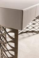 Луксозна модерна италианска тоалетка модел Isidoro, производител Cantori, Италия. Метална лазерно изрязана основа, плот - извита