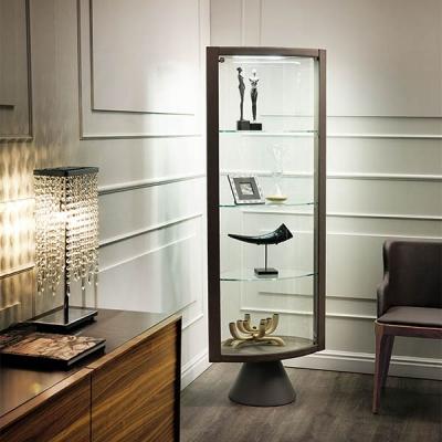 Въртяща се стъклена витрина с дървена или кожена рамка модел Caba. Италиански луксозни стъклени витрини.