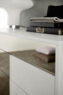 Колекция Tebe, производител Orme, Италия. Скрин, нощни шкафчета, високи скринове. Лакови покрития, огледало и др.