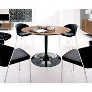 Стилна маса с дървен или стъклен кръгъл плот. Мод. Planet. Производител: Calligaris, Италия.