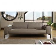 Луксозен кожен диван с пълнеж от гъши пух мод. Aida. Производител: Cierre imbottiti, Италия.