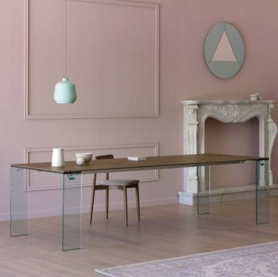 Модел Aria. Miniforms, Италия. Луксозна трапезна разтегателна маса със стъклени крака, плот-стъкло, фурнир или масив. Италиански