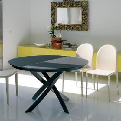 Кръгла трапезарна маса с възможност за разтягане. Плот - стъкло или лакиран фурнир. Модел Baron. Производител Bontempi, Италия.