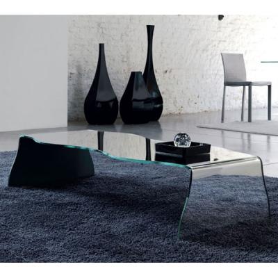 Холна маса от извито закалено стъкло модел Bisex. Производител: Unico Italia, Италия. Модерни италиански стъклени маси за дневна