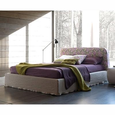 Модерна спалня с изцяло сваляща се текстилна или кожена тапицерия модел Gold. Производител: Bolzan, Италия. Италиански модерни т