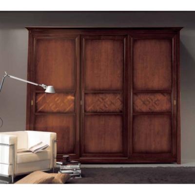 Мод. Bucaneve - класически гардероб от масив, естествен фурнир и стъкло. Производител: Crema Francesco, Италия. Класически итали
