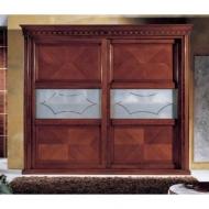 Мод. Calva - класически гардероб от масив, естествен фурнир и стъкло. Производител: Crema Francesco, Италия. Класически италианс