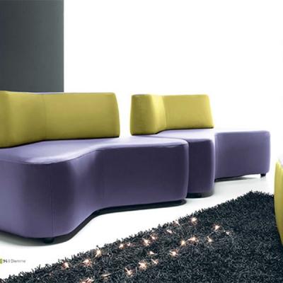 Мод. Cross - офис дивани и др. мека мебел с кожена или текстилна тапицерия. Производител: Diemme, Италия. Модерна италианска офи