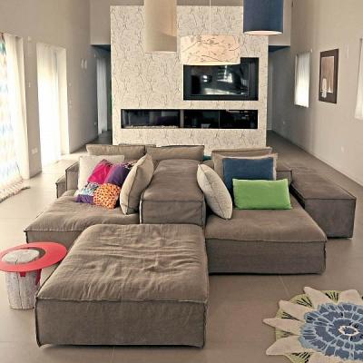 Модерна модулна мека мебел с гъши пух и memory form модел Cubiko. G&G, Италия. Луксозни италиански дивани с гъши пух.