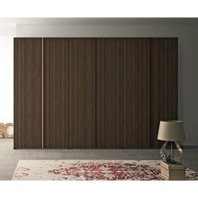 Модерен луксозен гардероб с врати на панти модел Cubo. Dall'Agnese, Италия. Модерни и класически италиански мебели- спални, гард