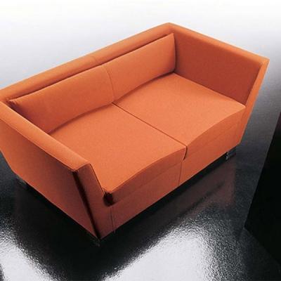 Мод. Double - офис дивани и др. мека мебел с кожена или текстилна тапицерия. Производител: Diemme, Италия. Модерна италианска оф