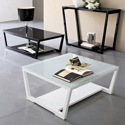 Мод. Element - модерна маса за дневна от масив, естествен фурнир и стъкло. Производител: Calligaris, Италия. Модерни италиански