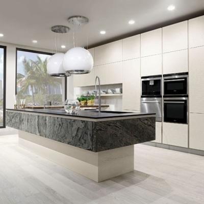 Модерни модели луксозни и икономични италиански кухни от водещи производители като ARREX, COLOMBINI, IMAB и др. Кухни от масив,