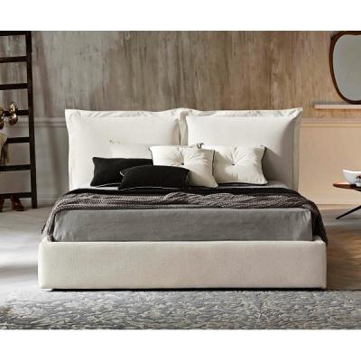 Модерна тапицирана спалня модел Farbe. Le Comfort, Италия. Модерни и класически италиански мебели за спалня- легла, гардероби, с