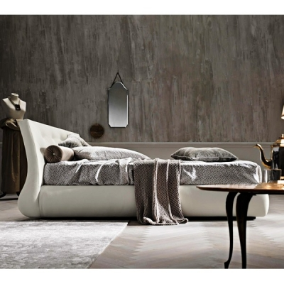 Тапицирана спалня с възможност за контейнер модел Gap. Le Comfort, Италия. Модерно италианско обзавеждане за спалня- легло, скри