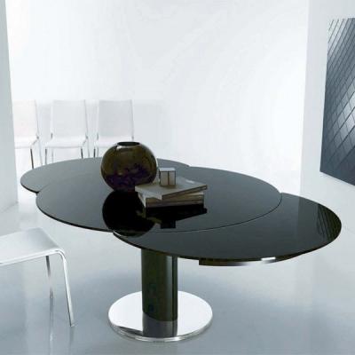 Модерна луксозна кръгла маса с разтягане модел Giro. Bontempi, Италия. Метална основа и стъклен плот. Луксозни италиански маси с