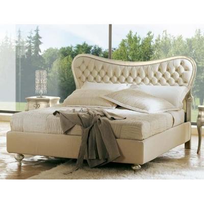 Класическа спалня мод. Hermes - капитонирана табла от масив. Производител: Cantori, Италия. Класически италиански спални - капит