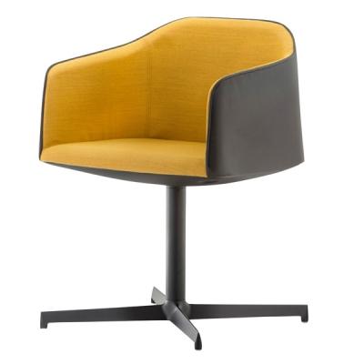 Трапезарен стол с кожена и текстилна тапицерия мод. Laja. Производител: Pedrali, Италия.