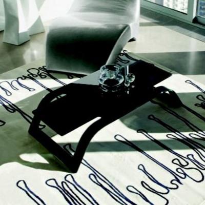 Холна маса мод. Lounge - 12mm закалено извито стъкло. Производител: Unico Italia, Италия. Модерни, интересни и дизайнерски итали