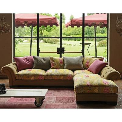 Класически италиански диван, прав или ъглов, с гъши пух, кожена или текстилна тапицерия модел Margot. Италиански класически лукс