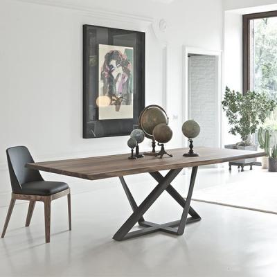 Луксозна трапезна маса с метална основа, масивен, фурнирован, стъклен или керамичен плот. Модел Millennium, Bontempi. Модерни ит