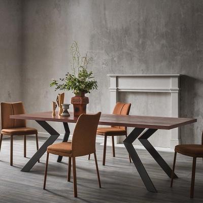 Трапезарна маса с интересни метални крака и разнообразие от плотове модел Mix. Sedit, Италия. Големи и дълги италиански трапезни
