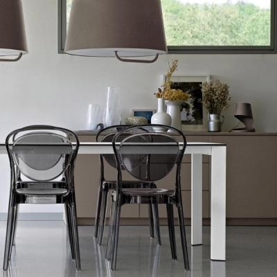 Модерно обзавеждане за трапезария. Трапезни маси, столове, витрини, скринове и аксесоари. Модерни италиански маси и столове от м