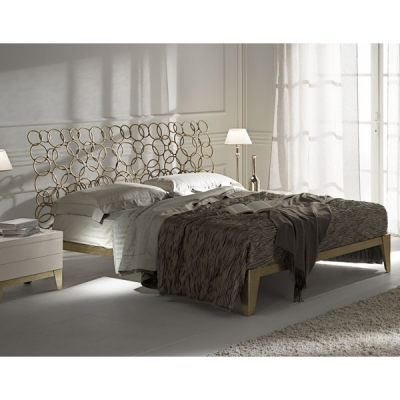 Mод. Mondrian- спалня с табла от плътно желязо. Производител: Cantori, Италия. Луксозни италиански спални с железни рамки и табл