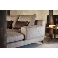 Мека мебел с изцяло сваляща се тапицерия модел Nixon. Le Comfort, Италия. Модерни италиански мебели за дневна - дивани и кресла.
