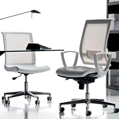 Модерни модели офис столове- директорски, работни, посетителски, бар столове, конферентни и др. Италиански луксозни офис столове