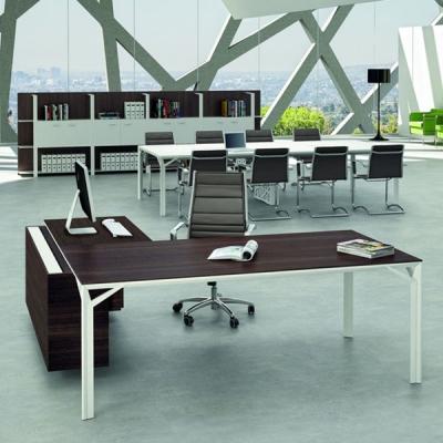 Модерни офис мебели - бюра, работни маси, библиотеки, етажерки, контейнери, заседателни маси, рецепции и др. Италиански офис меб