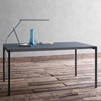 Мод. Oscar - разтегателна или фиксирана трапезарна маса с алуминиева основа, стъклен, дървен или ламиниран плот. Производител: S