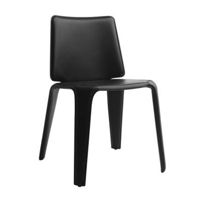 Трапезарен стол изцяло тапициран с естествена кожа мод. Mood. Производител: Pedrali, Италия
