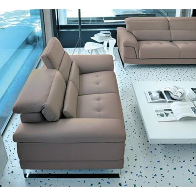 Модерен италиански кожен диван с или без лежанка модел Phill. Производител: Rigosalotti, Италия.
