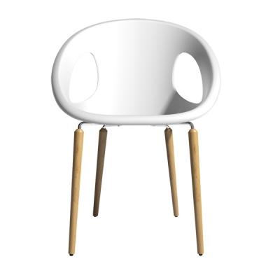 Трапезен стол с дървени крака и седалка от технополимер мод. Natural Drop. Производител: SCAB Design, Италия.