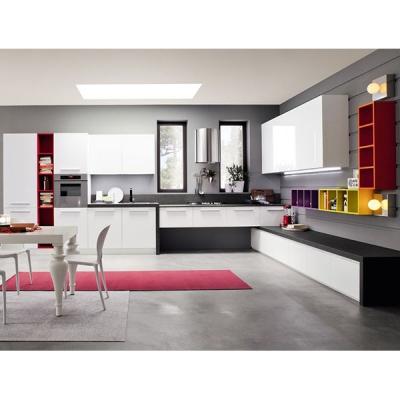 Модерна италианска кухня модел Sesamo. Производител ARREX, Италия. Модерни и класически италиански кухни.