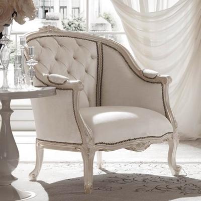 Мод. Sissi - кресло от масивна дървесина с кожена или текстилна тапицерия. Производител: Cantori, Италия. Класически италиански
