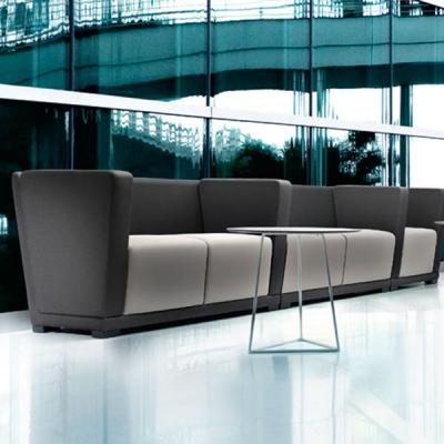 Мека мебел, кресла, пейки и др. подходящи за офис и други обществени пространства. Модерни италиански дивани и други тапицирани