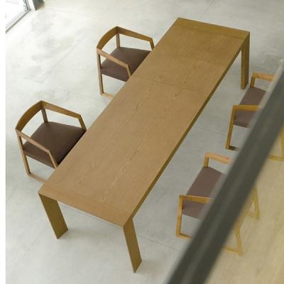 Трапезарна маса с механизъм за разтягане мод. Surface. Производител: Pedrali, Италия. Модерни  и луксозни италиански разтегателн