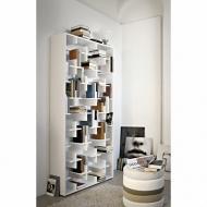 Модерна библиотека от полиуретан и лакиран МДФ модел Target. Производител: Arketipo, Италия. Модерни, дизайнерски италиански биб