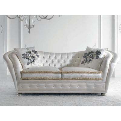 Класически модел диван Mод. Teddy. Производител: Epoque salotti- Egon Fustenberg, Италия
