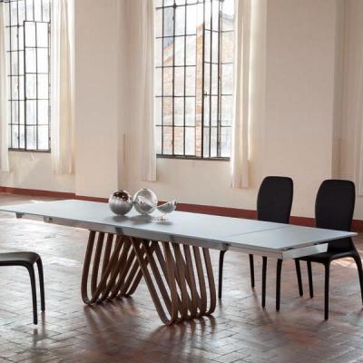 Модерна фиксирана или с разтягане трапезарна маса модел Arpa. Tonin casa, Италия. Модерни италиански мебели - маси, столове, бюф