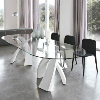 Фиксирана трапезарна маса с метални крака и стъклен плот модел Eliseo. Tonin casa. Луксозни италиански мебели за трапезария - ма