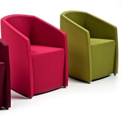 Mодел Tronix. Производител: Diemme, Италия. Модерни италиански офис мебели - заседателни, посетителски, конферентни, бар, директ