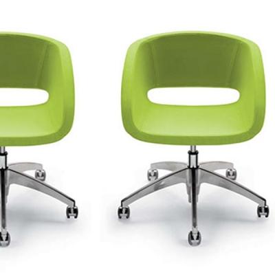 Модерен офис стол модел Vanity. Производител: Diemme, Италия. Модерни италиански офис мебели - заседателни, посетителски, конфер