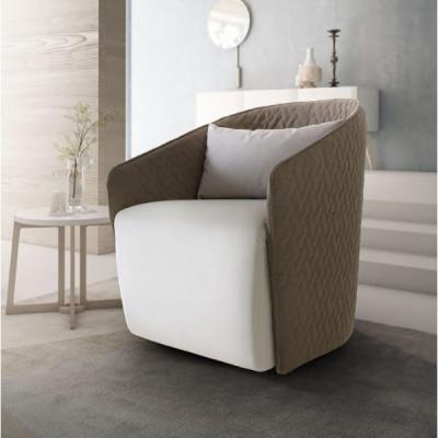 Кресло с изцяло сваляща се текстилна тапицерия. Модел Viky. Le Comfort, Италия. Модерни и класически италиански мебели - дивани,